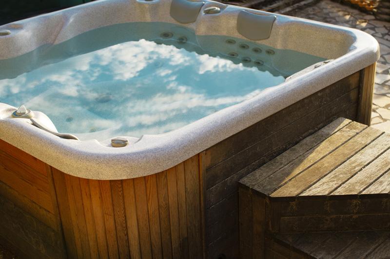 Votre spa bien-être personnel en vente à Montélimar dans la Drôme.